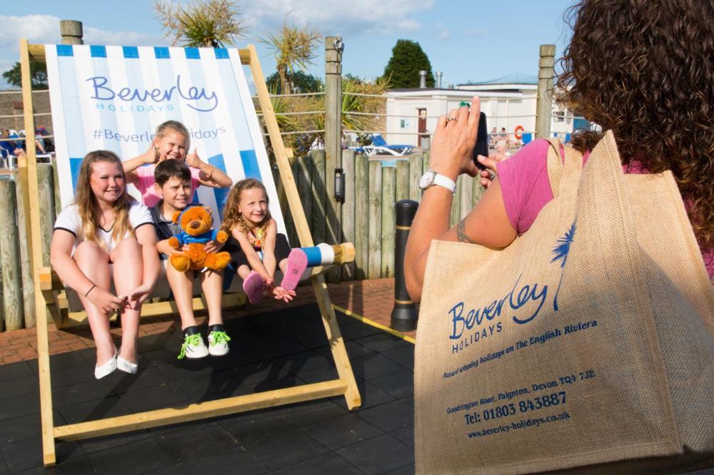 Beverley Holidays mega deckchair