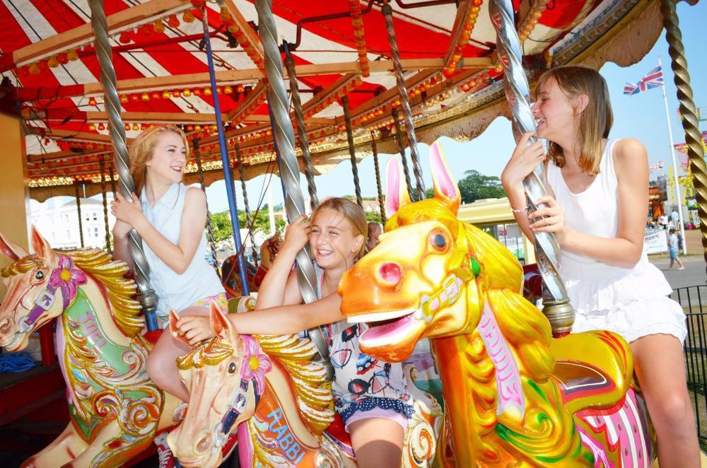Anderton Rowlands fun fair