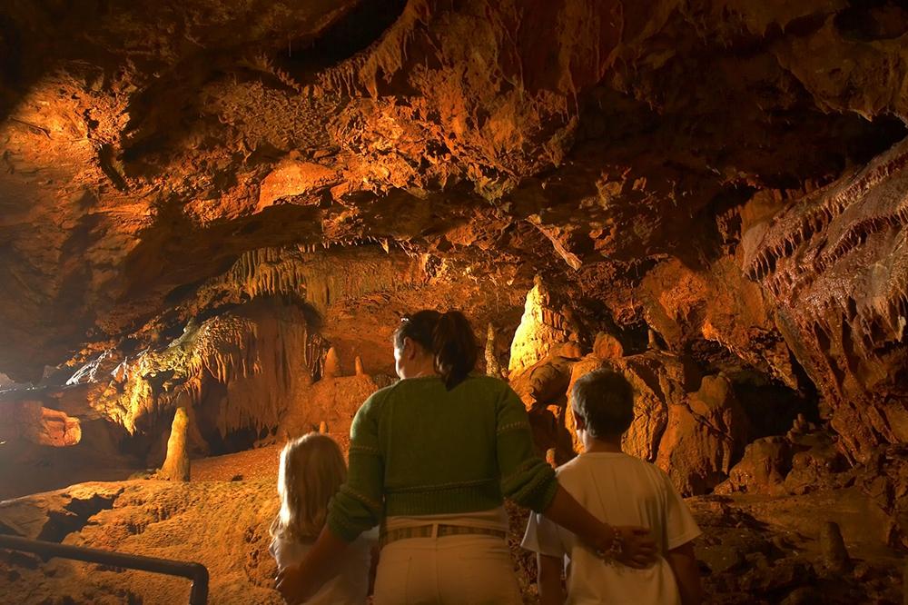 Kents Cavern Easter