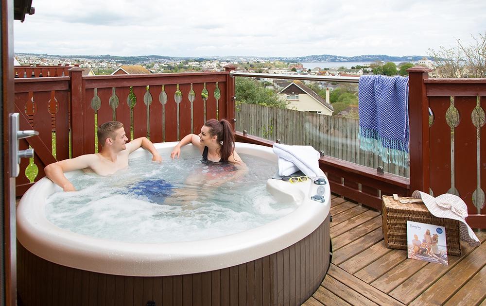 Winter Hot Tub Lodge