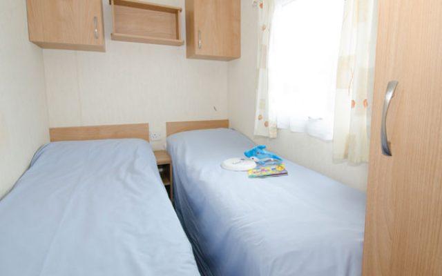 classic-twin-bedroom-caravan