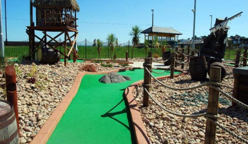 Pirates Bay mini golf