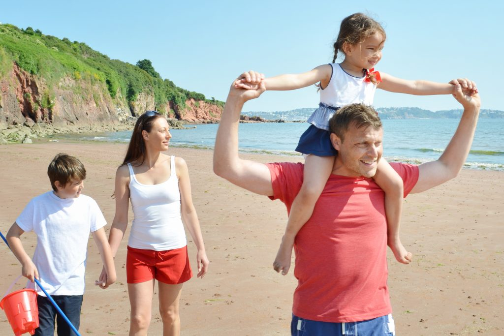 broadsands-beach-summer-family-holiday