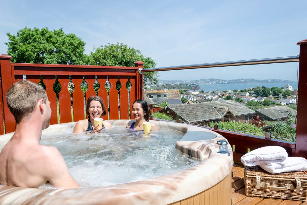 hot-tub-lodges-holiday-devon